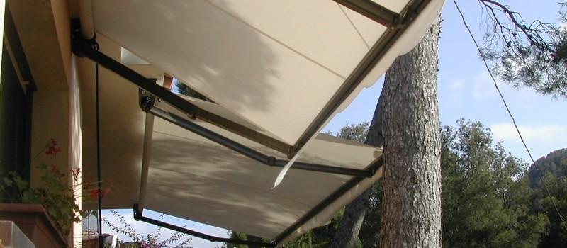 Catal venda e instal laci de tendals manuals i for Toldos motorizados